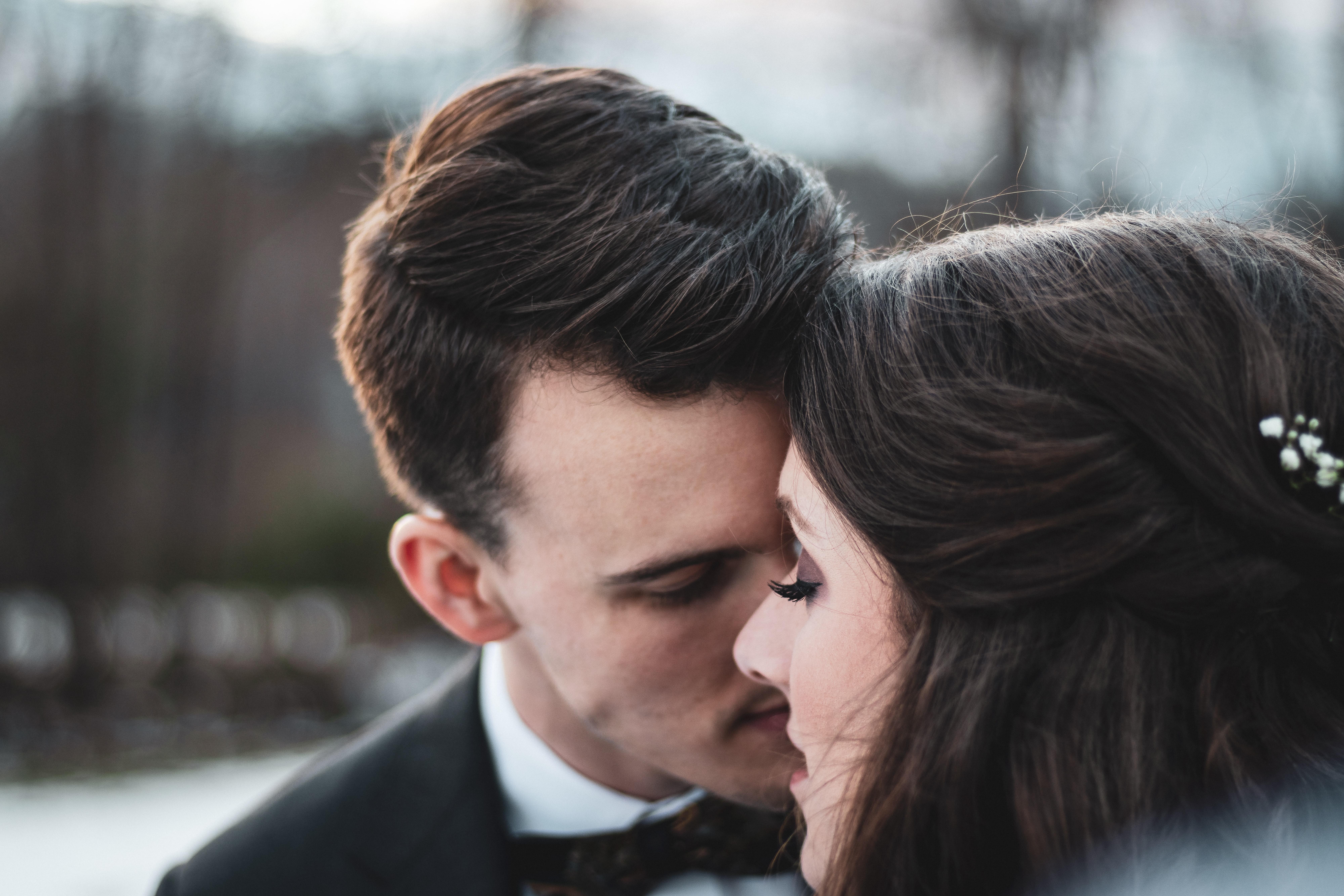 Jesienno-zimowy zestaw ubrań na ślub, czyli jak się nie przeziębiać